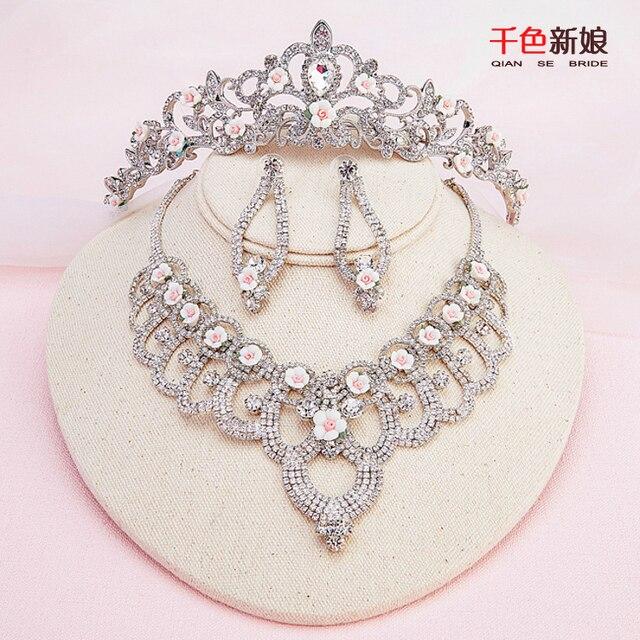 8263f0160f52 Nuevo conjunto de joyas de cristal collar + tiara + earring mujeres corona  elegante diadema de