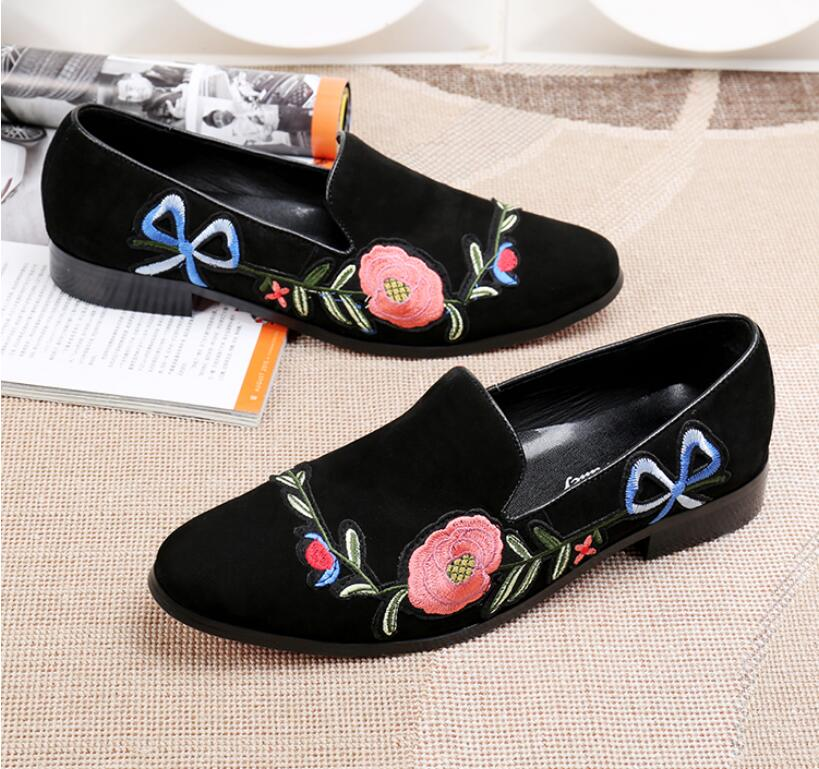 Homens Moda Bordados de Flores trepadeiras Preto Tamanho 40 46 de Alta  Qualidade Designer de Deslizamento Em Sapatos Oxford Vestido de Casamento  Sapato em ... a41d9ff7bea98