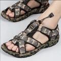 2016 nuevos deportes de ocio de los hombres de camuflaje sandalias de la playa del verano zapatos masculinos resistentes al desgaste de goma solescamouflage