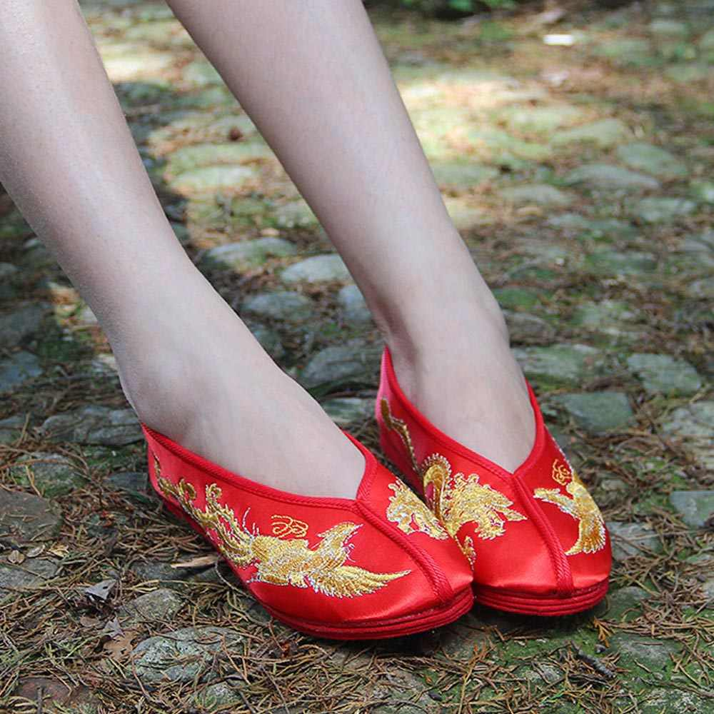 Vintage ผู้หญิงเจ้าสาวจีนแต่งงานซาติน Dragon Phoenix Embroidered Breathable Soft Single บัลเล่ต์รองเท้าผู้หญิง