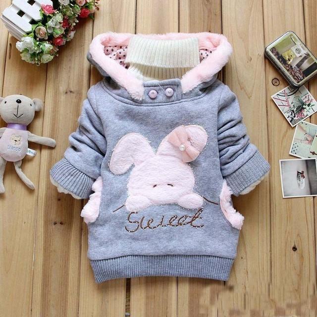 Bebé chicas chaquetas abrigos bebé con bolsa de recién nacido toddler clothing sudaderas con capucha de invierno para niñas espesar trajes de dibujos animados de conejo abrigo