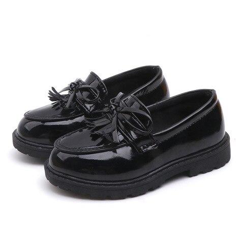 novas meninas preto vestido de couro sapatos