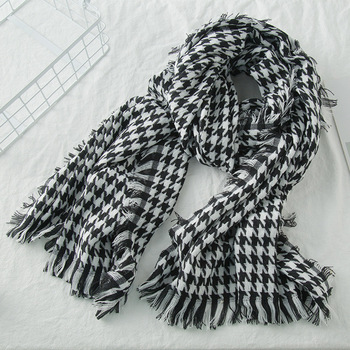 2018 New Wool Houndstooth Scarf Cashmere Tassel for Women Lady Winter Thick warm Scarf High Quality Female Shawl Pearl Diary Hot муфты ганзена