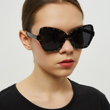 2019 Women Butterfly-shaped Sunglasses Female studded Eyewear Retro High Quality Sun glasses Vintage