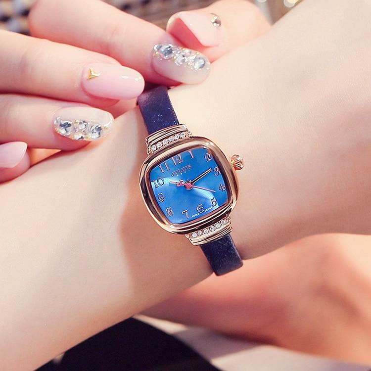 Petit zircon incrusté dame dermique marée jauge simple étanche cadran carré mince en cuir bracelet de montre femme montre