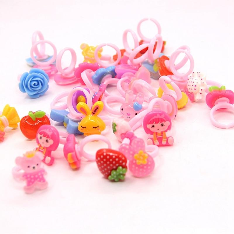 36 Pcs Random Colorful Mini Cartoon Plastic Rings Fingers Girls Kids Children Pretend Play Beauty & Fashion Toys Birthday Gift