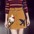 Moda para mujer Faldas De Gamuza Bordado de Flores Y de Aves Diseños Office Lady Faldas Mujer 2016 Nuevo Otoño Y El Invierno Con La Correa