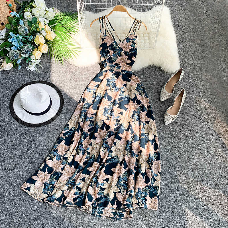 2019 summer new women's V-neck strap sleeveless floral printed chiffon A-line dress female elegant sling Fairy beach dresses
