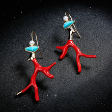 Fashion Women Irregular Dangle Earrings Red Enamel Coral Antlers Branch Drop Earring Acrylic Resin New Pearl Stone