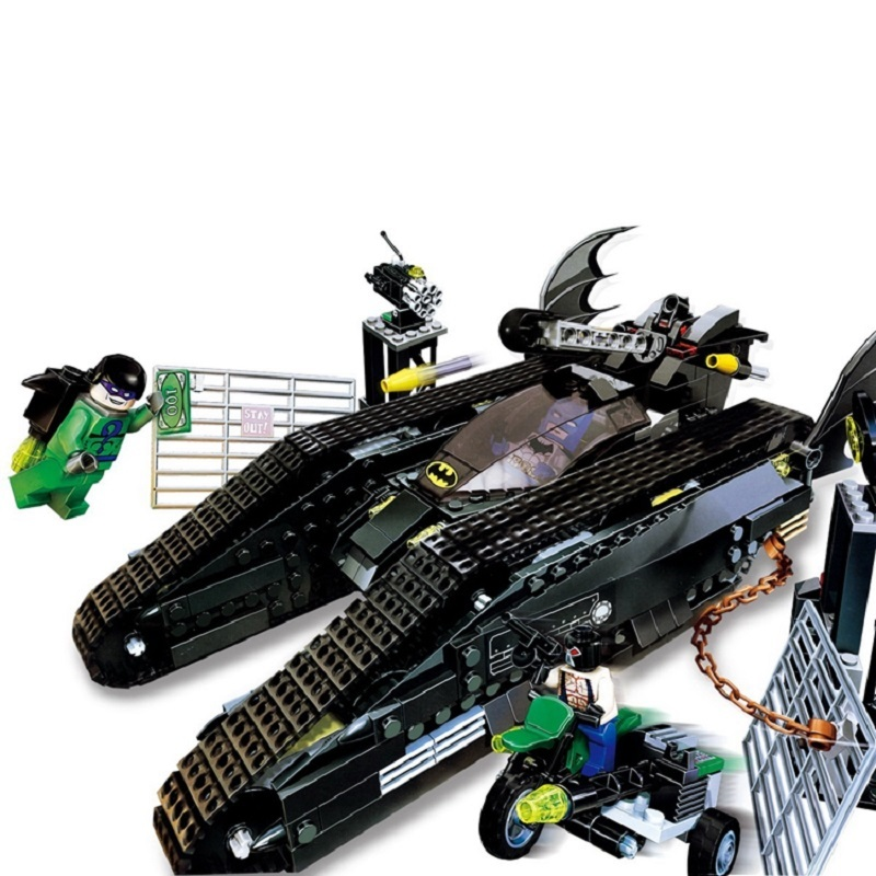 Lepin 07067 673pcs Super heroes MOC Series The Bat Tank Children Educational Building Blocks Bricks Toys Model Gifts for boys moc the iron man work station hall of armor war machine super heroes avengers building blocks kids toys not include minifig