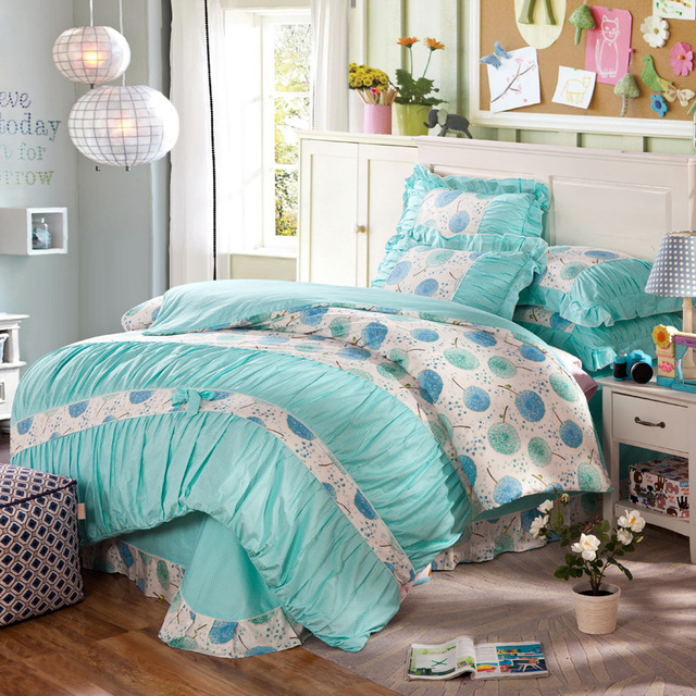 Nautical Style Teen And Bedrooms: Beach Style Blue And White Girls Nautical Bedding Set