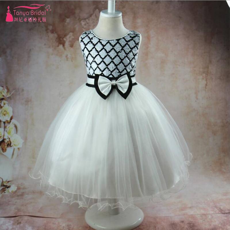 Cute Black And White   Flower     Girls     Dresses   Organza Ruffles Bow Kid Pageant   Dresses   A Line Knee Length Formal Gowns ZF051