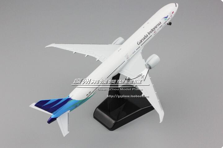 19cm Collectible Airplane Model Indonesia Airways 777-300ER Aircraft Alloy Plane Model Diecast Souvenir Vehicles Gift Toy