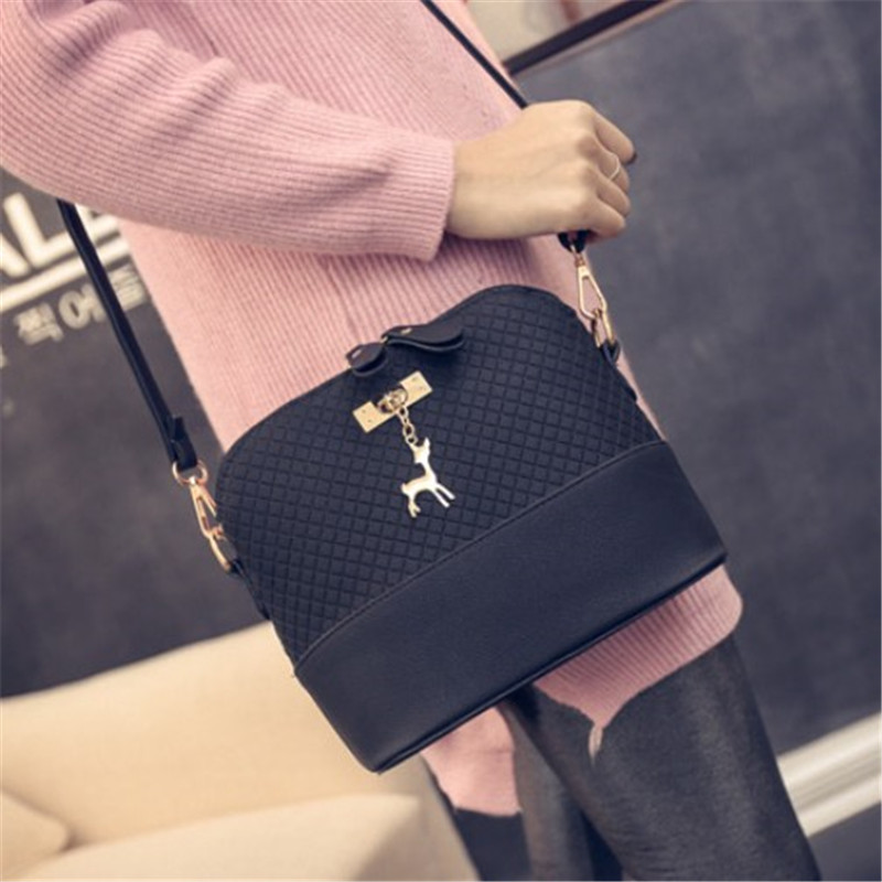 2017 New Mini Bag With Deer Women Shoulder Bags Women Messenger Bags Toy Shell Shape Bag fashion women mini messenger bag pu leather shell shape bag crossbody shoulder bags with deer toy popular