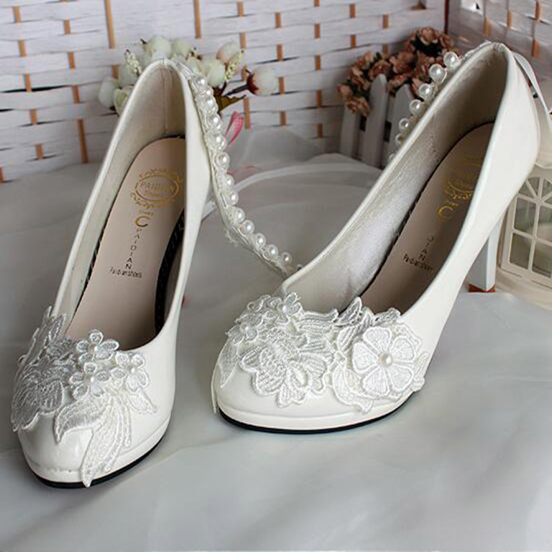 Thin Cuban Heel Nice White Single Bridal Pearl Shoes Wedding Lace Shoes Pointed Toe Patent Leather