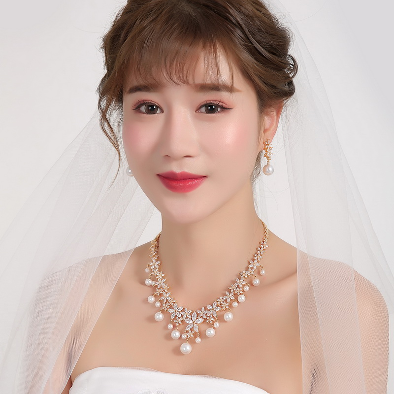WEIMANJINGDIAN Flower Cubic Zirconia and Shell Pearl Necklace and Earring Wedding Bridal Jewelry Set in Silver / Gold ColorsWEIMANJINGDIAN Flower Cubic Zirconia and Shell Pearl Necklace and Earring Wedding Bridal Jewelry Set in Silver / Gold Colors