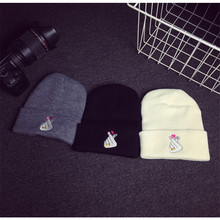 Ms. autumn and Winter Casual Gesture of Love embroidery Warm fingers Knit Wool Cap Sleeve Head CAP Skullies  M141