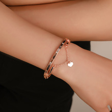 Best selling luxury rose gold stainless steel four-leaf clover bracelet female love charm famous jewelry
