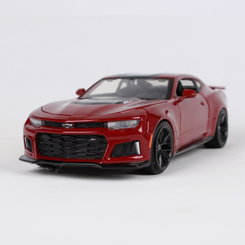 Maisto 1:24 2017 CHEVROLET ZL1 red car diecast luxury car model for collecting motorcar diecast shape for men 31512