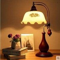 Сад страны настольная лампа Старый Шанхай Спальня прикроватный настольная лампа творческий деревянные стекло лампы ya72819