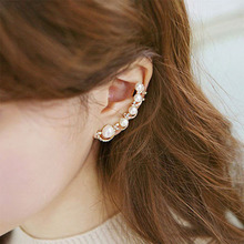 2019 Fashion Exquisite Clip on Earrings Simple Sweet Imitate Pearl Rhinestone Earring Clips Women Ear Cuff Jewelry Gift WD336