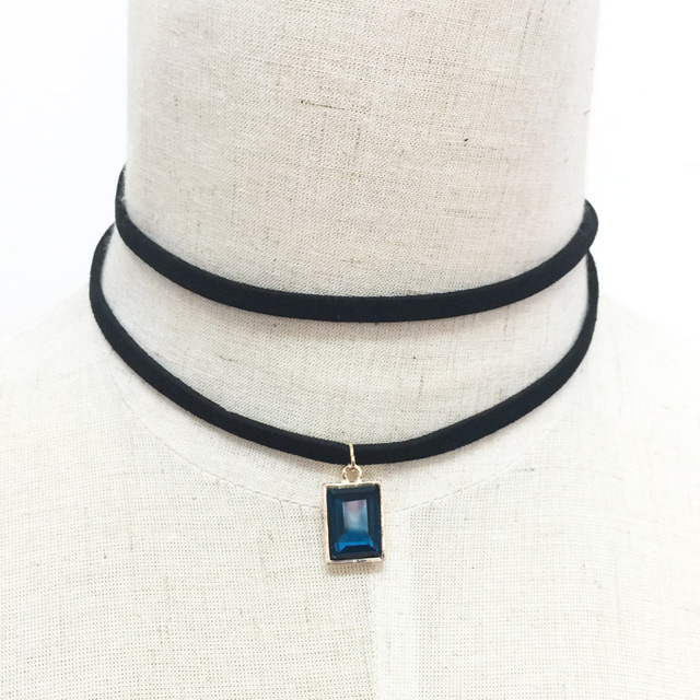 Crystal with leather necklace