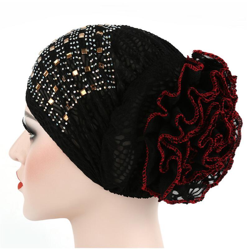 2017 Neue Frauen Blumenspitze Turban Hut Indien Cap Mit Diamant Haarnetz Muslime Chemo Kappe Blume Mütze Beanie Für Frauen Feines Handwerk
