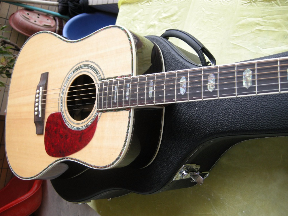 Livraison Gratuite Classique guitare acoustique Dreadnought guitare naturel épicéa Massif et étui
