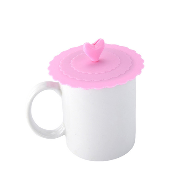 Anti-Dust Heart Decorated Cup Cover