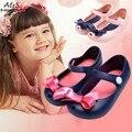 Crianças meninas Sapatos Novos meninas Bonitos Arco Sandálias De Borracha Do Bebê Mini Crianças sapatos Arco Sandálias de Verão chuva bota zapatos