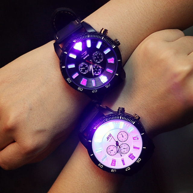 2017 New Luminous LED Sport Watches Men Quartz Watch Couple Watch Silicone Wrist