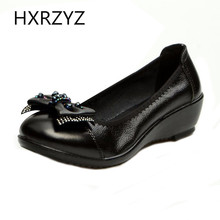 Spring Autumn Comfortable Boat Shoes Women New Fashion Black Bow Wedge Shoes Female Soft Leather Flat Low Style Mother Shoes