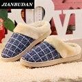 Новый хлопок тапочки для мужчин и любителей женщин бытовые тапочки держать теплую обувь pantoufle homme осенью и зимой