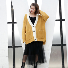 [EAM] Autumn Winter Trendy Loose Knitting Coat New Pattern Hit Color V-neck Long Sleeve Knitting Jacket Fashion Woman Tide YA495(China)