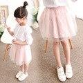 Niños Nueva Princesa de Las Muchachas Sólido Falda de Verano de La Perla Coreana Falda Niños Ropa de Color Rosa Gris de Malla