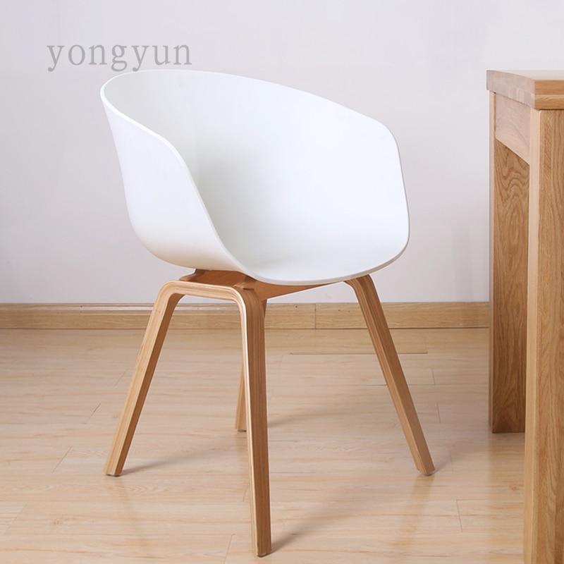 US $189.0 |Plastica Sedia Da Pranzo Moderno e minimalista Moda piede di  legno sedia sala da pranzo mobili di plastica PP sedile con la gamba di ...