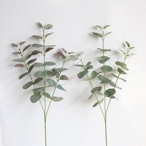 Image 2 - Rama de hojas artificiales Retro verde hojas de eucalipto de seda para decoración del hogar, plantas de boda, follaje de tela sintética, decoración de habitación de 68CM