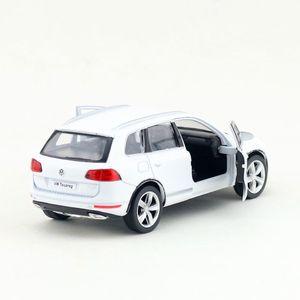 Image 4 - משלוח חינם/RMZ עיר צעצוע/Diecast דגם/1:36 סולם/פולקסווגן טוארג ספורט SUV/למשוך בחזרה רכב/חינוכיים אוסף/מתנה/ילד