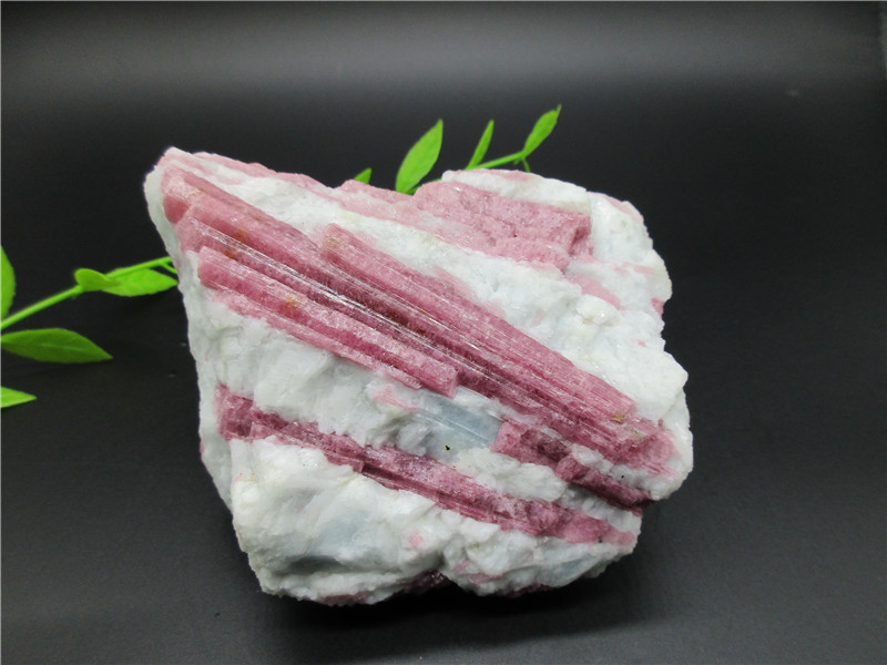 Natural Rubellite Red tourmaline Ore Chakra Healing Reiki Stone Carving Crafts Home furnishing article from Madagascar