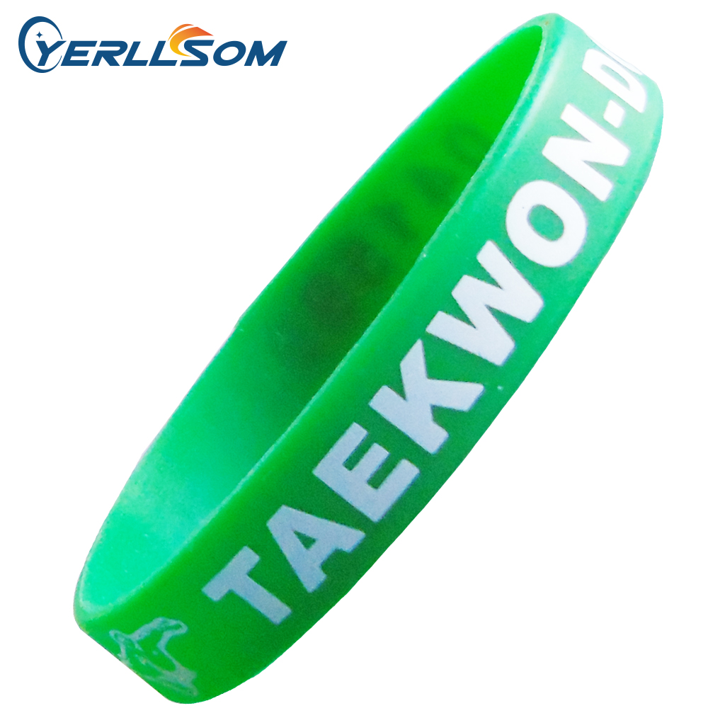 YERLLSOM 500ชิ้น/ล็อตจัดส่งฟรีที่กำหนดเอง1สีหน้าจอพิมพ์โลโก้ยางซิลิโคนสายรัดข้อมือสำหรับของขวัญY060711-ใน กำไล จาก อัญมณีและเครื่องประดับ บน   1