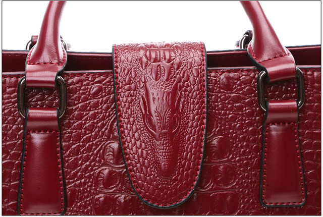 Women Crocodile Pattern Shoulder Bag