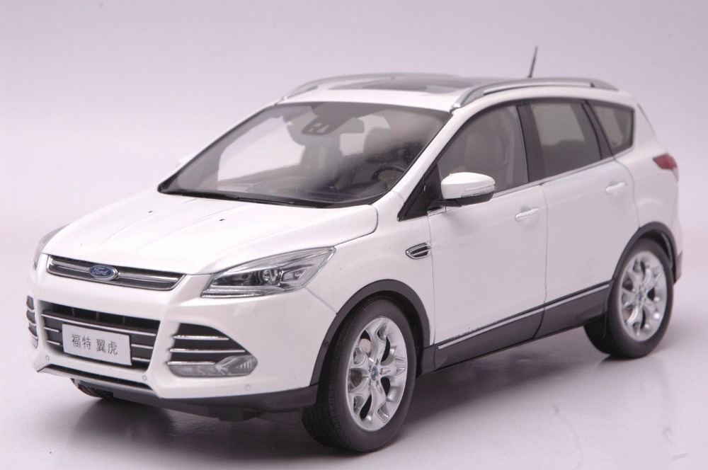 где купить 1:18 Scale Diecast Model Car for Ford Kuga Escape 2015 White SUV Alloy Toy Car Collection Gifts дешево