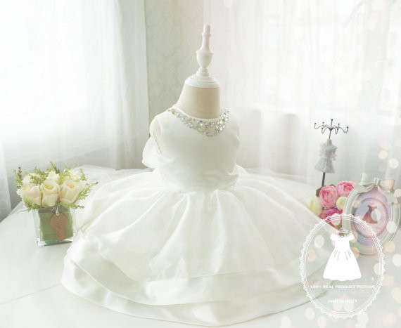 2017 white/ivory beauty flower girl dresses for wedding with crystals tulle ball gown little kids Christmas party gowns with bow