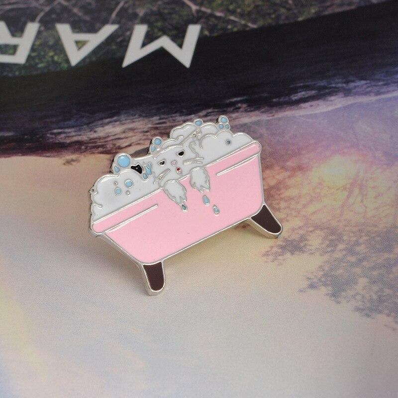 Fashion new cute cat bathtub enamel drip oil brooch coat brooch Sweater cowboy collar badge girl bag accessories best gift