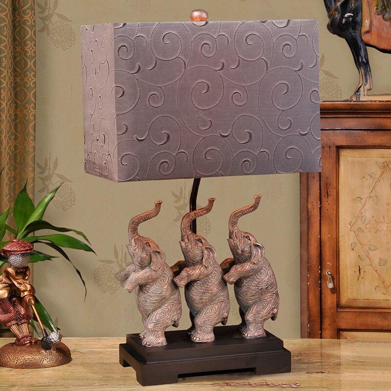 Lampe de Table de Style sud-est asiatique créative trois éléphants debout résine bureau lumière chambre chevet Led E27 lampe de nuit lampe de bureau