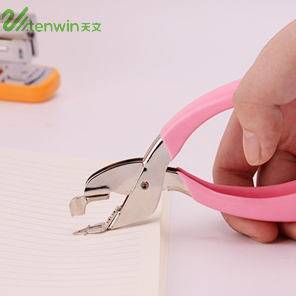 TENWIN 8501 Metal Comfortable Handheld Staple Remover School Office Stapler Bingding Tool Nail Pull Out Extractor Pink