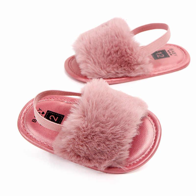 Moda Faux Fur verano bebé niños niñas sandalias suela suave recién nacido lindos zapatos de bebé antideslizantes sandalias de bebé