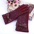 Новый 2015 ИСКУССТВЕННАЯ Кожа Кружева Женщин Перчатки Моды Запястье Теплые женские Кожаные Перчатки Зима Утолщение Элегантные Перчатки Для Женщин