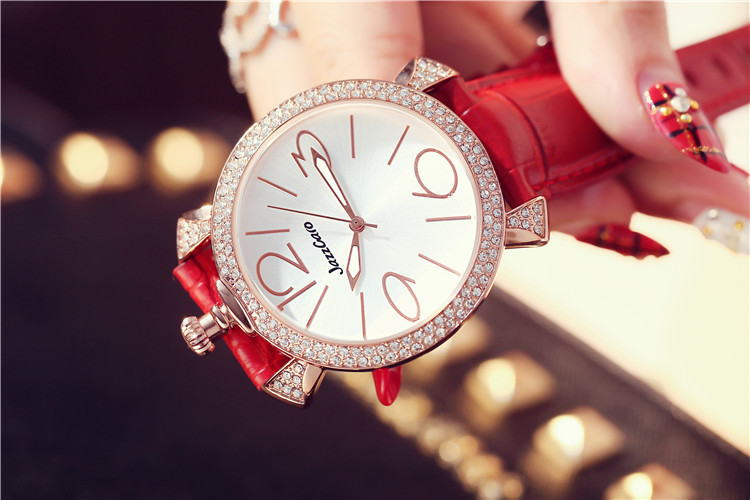 Personalized Big Size Women Crystals Watches Fashion Brand Designer Mujer Leather Wrist watch Quartz Montre femme Relojes W094 ladies fashion brand quartz watch women rhinestone pu leather casual dress wrist watches crystal relojes mujer 2016 montre femme