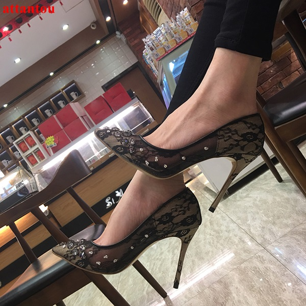 2018 Sexy black lace high heels bling bling crystal decor women dress shoes slip-on pointed toe female stiletto party pumps luxury bling bling crystal pointed toe pumps silver blade heels women party dress shoes sexy slip on wedding bride shoes 2018